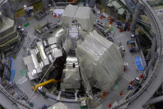 photo of Nine VV sectors (340°) installed on the cryostat base