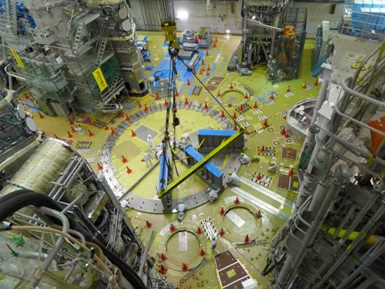 photo of tokamak assembly